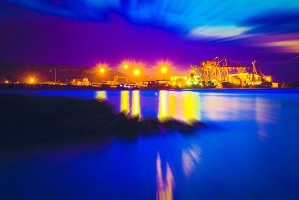 照片: 西哈努克港是柬埔寨与中国「一带一路」经济合作的标记。(Shutterstock.com)