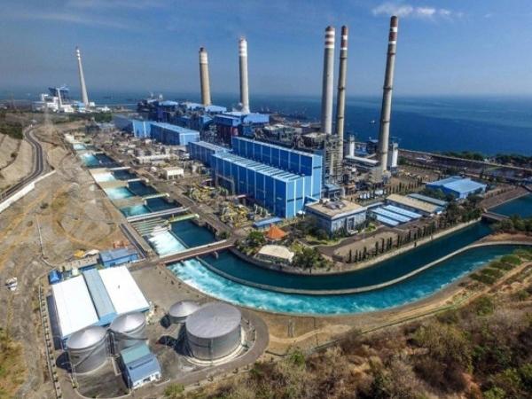 照片: 爪哇7号发电厂为人烟稠密的爪哇-峇里地区供应电力。