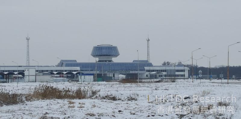 相片:科茲洛維奇–庫庫雷基檢查站位於白羅斯及波蘭邊境,是獨聯體與歐盟之間最繁忙的貨車檢查站之一。