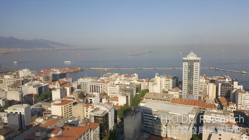 相片:伊兹密尔位于土耳其西部,市内港口面向爱琴海。