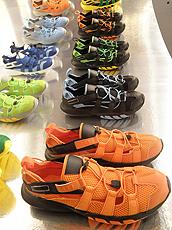 Glagla的新科技物料鞋履。