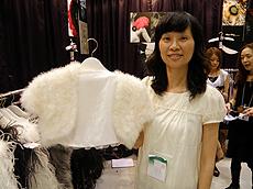 Doris Tse:为服装商生产自行设计产品。