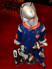 Kidorable的太空衣款式雨衣。