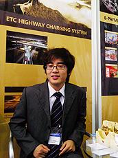 Liang希望认识更多客户。