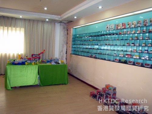 照片:玩具厂经营困难。