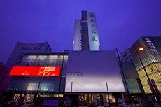 照片:杭州大廈購物城外立面A、B。