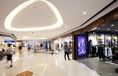 照片:杭州大廈購物城室內。