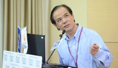 相片:上海復旦大學世界經濟研究所所長華民教授