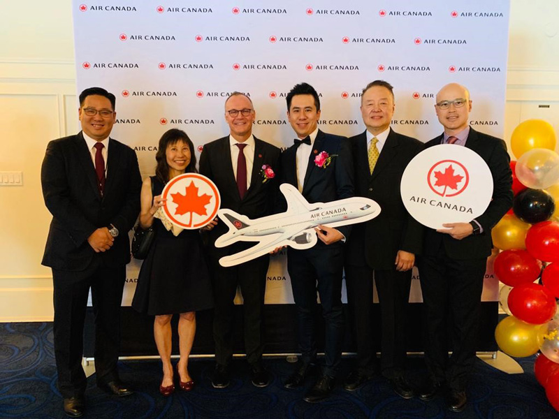Photo: Hon Lam (fourth from the left), Air Canada's General Manager for Hong Kong and Southern China