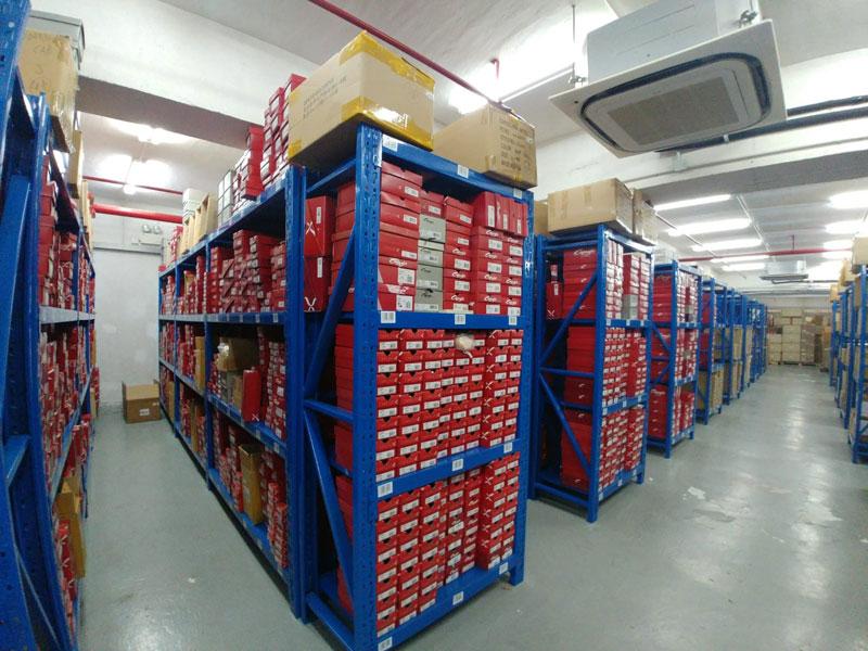 相片:德玛国际的定位是一站式物流供应商,为客户的生产和价值链增加价值。(2)