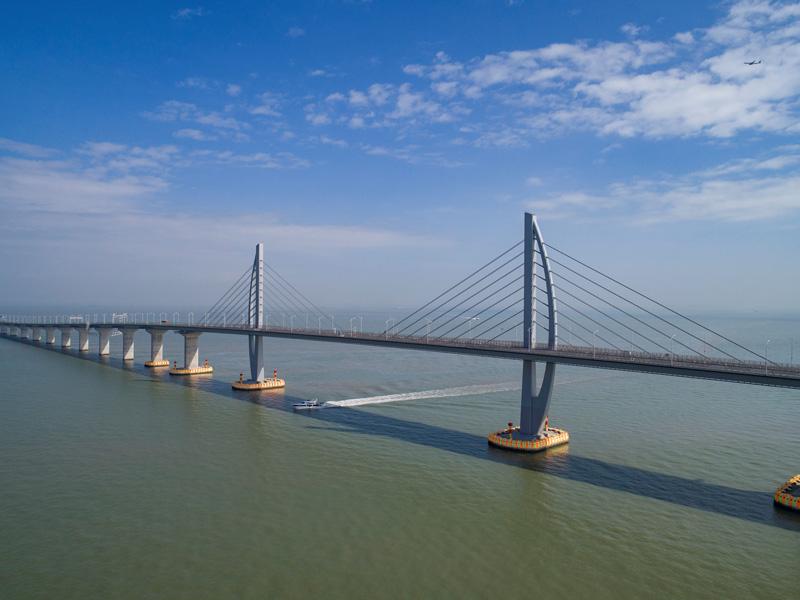 相片:港珠澳大橋是全球最長的跨海大橋。過去40年,奧雅納為華南多個備受注目的發展項目出力,這條大橋是其中之一。圖片提供:Marcel Lam Photography