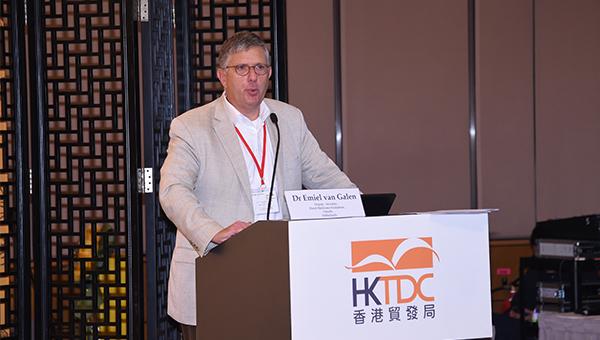荷兰药品评价委员会的副秘书Emiel van Galen