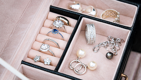 香港的珠宝业出口指数大幅回升