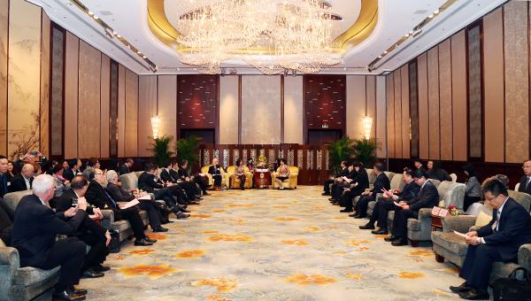 香港贸发局代表团成员拜访青岛市副市长栾新
