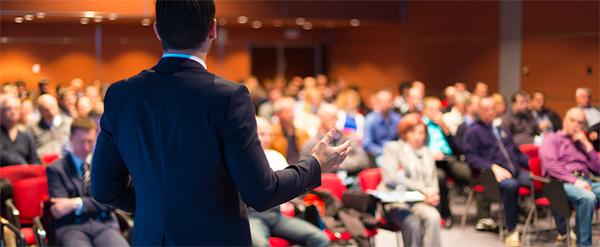 企业管理层多聆听及接纳同事们的想法
