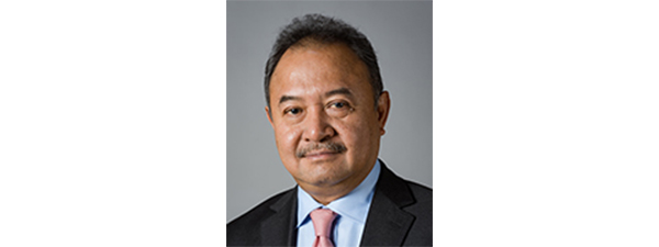 吴洛基博士(Dr Luky Eko Wuryanto)
