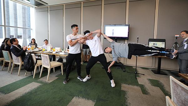 香港街头健身总会运动员示范