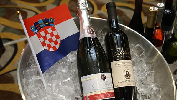 Pušipel酿造的罕有白酒