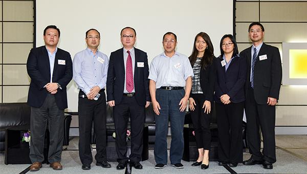 (左起)夏冰、苗季、陈越华、张克科、吴文慧、马颖德、赵永础