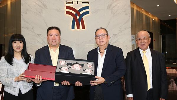 (左起)方舜文、黄瑞耀、林建岳、黄创山