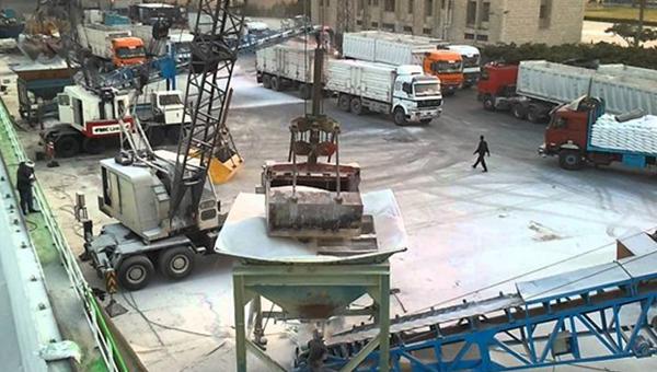 阿布基尔港兴建集装箱码头
