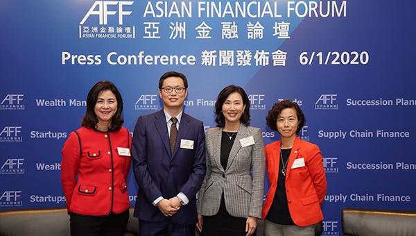 (左起)卢彩云、刘会平、禤惠仪及梁小慧