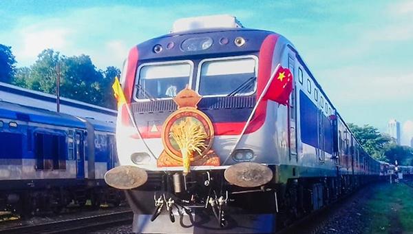 斯里兰卡马塔拉–贝里雅塔铁路多列全新列车