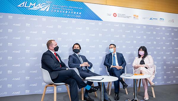 (左起)Bjorn Hojgaard、赵式庆、林诗键、刘瑞仪