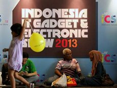 Photo: Cross-generational appeal: Indonesia's leading computer show.