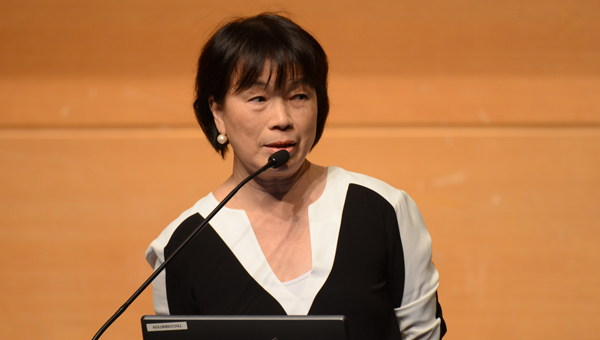 Lung Ying Toi 龍應台