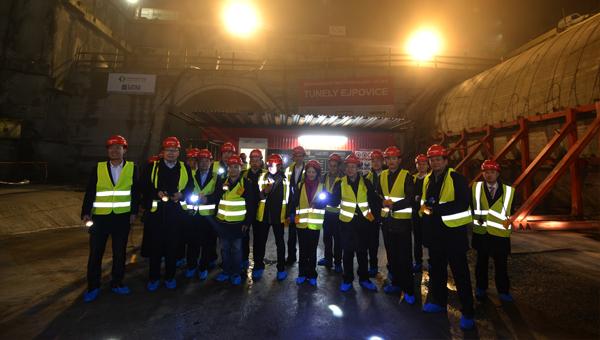 「羅基察尼 - 皮爾森鐵路線和隧道現代化」項目