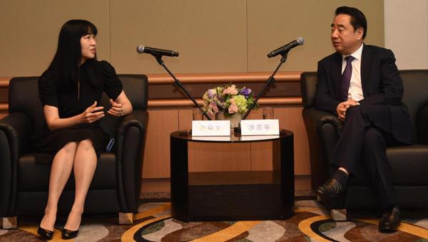 江蘇省人民政府副省長陳震寧(右)與香港貿發局總裁方舜文(左)