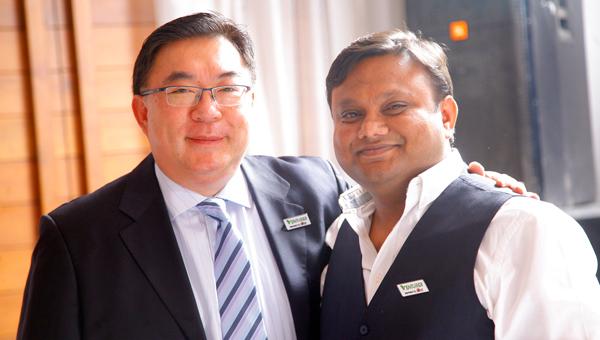 易嘉禮(左)和Deepak Gupta(右)