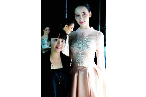 時裝品牌DorisKath創辦人陳綽盈(左)