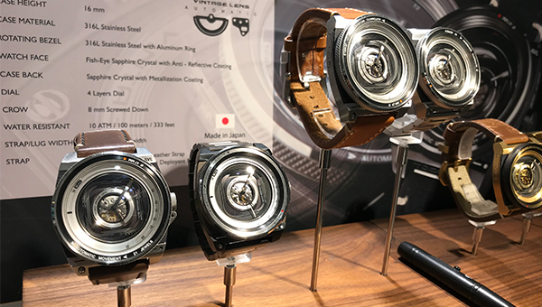 仿相機鏡頭的自動錶