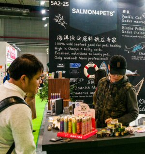 Nosh for pampered pooches and cultivated cats courtesy of Salmon4Pets