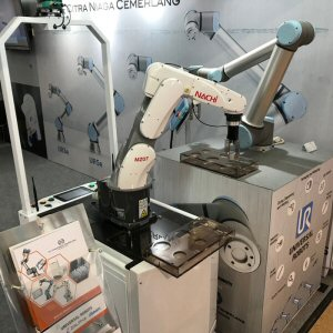 Robot Plant automation suppliers exhibited at the 2019 Indonesia Pharmaceutical Expo