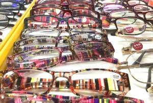 Multi‑class glasses