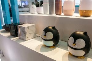Lemoworld's penguin‑themed dispenser