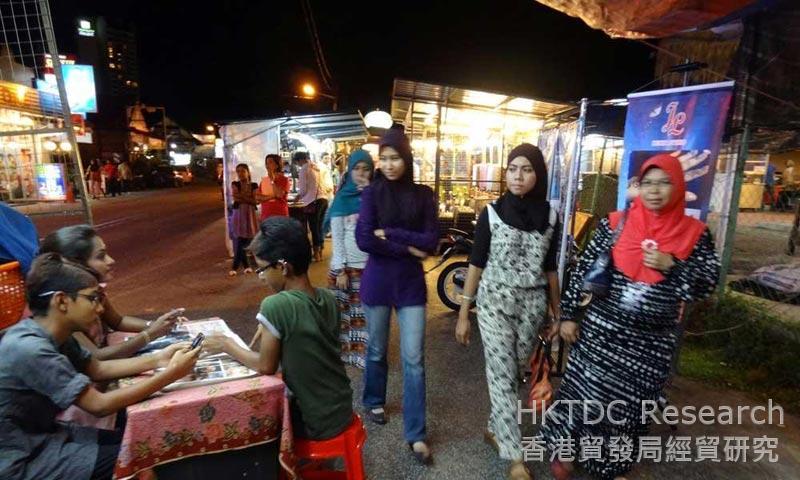 Photo: Malaysia: Setting the global standard for halaal food preparation.