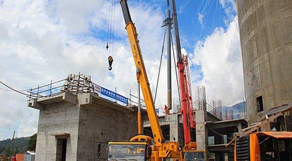 照片:已落实投资项目:巴布亚水泥厂。