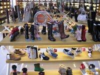 相片:「工厂店」发售的产品(1)