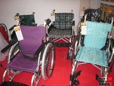 相片:不同款式的輪椅