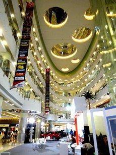 图: 雅加达Central Park商场室内设计富有时代感
