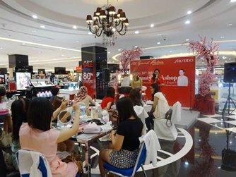 图: 针对女性的化妆品品牌推广活动