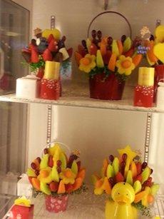 Photo: Specialty fruit store at Wanda Plaza in Zhengzhou