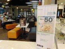 圖: 食肆與銀行合作進行推廣。