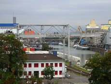 相片:莱茵河是巴塞尔的命脉,也是瑞士最重要的贸易通道之一
