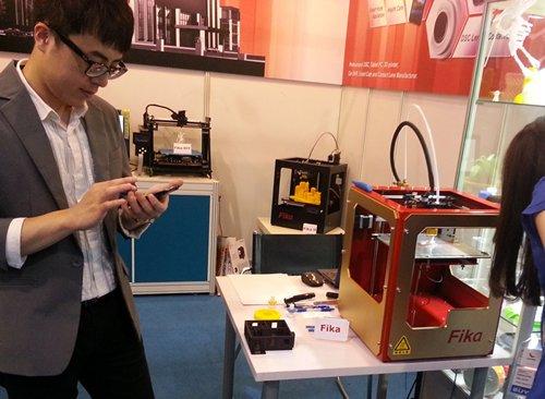 Photo: GrandTech displays its 3D printers at the Fair