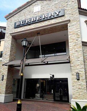 圖: 柔佛國際名牌商城內的 Burberry店